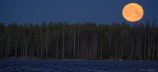 Jouluaaton täysikuu Kyrkösjärvi Seinäjoki