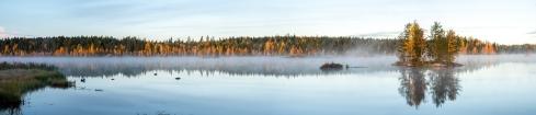 Sumuinen ruska-aamu Seinäjoen Kyrkösjärvellä 7.10.2018.